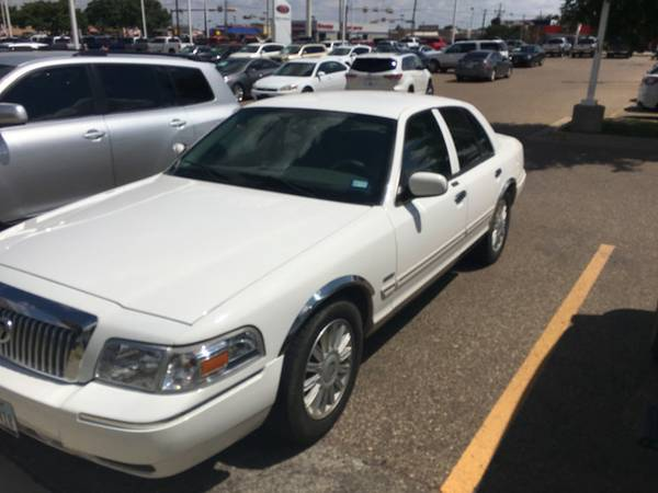 2010 Mercury Grand Marquis - BAD CREDIT NO CREDIT $500 DOWN