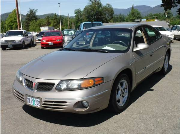 *** 2001 Pontiac Bonneville SE Sedan ***