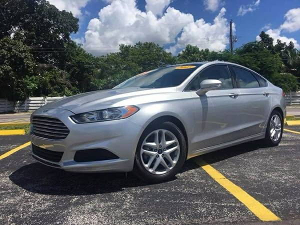 2015 FORD FUSION LIKE NEW LOW MILES
