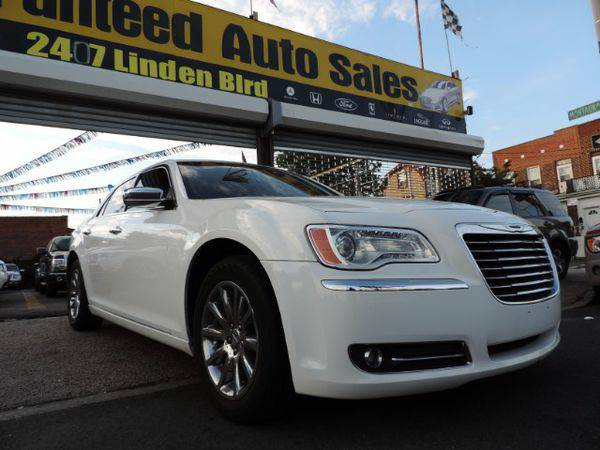 2011 *Chrysler* *300* Limited RWD *Buy-Here-Pay-Here & Financing*