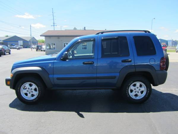 2006 Jeep Liberty 4x4 Very clean! 104K Miles. Warranty