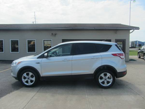 2014 Ford Escape SE FWD 2.0L Turbo. New Tires! Warranty