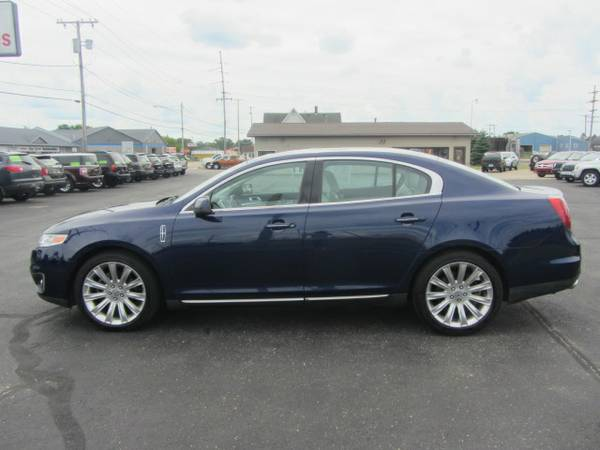 2011 Lincoln MKS AWD V6 Clean & loaded! Warranty