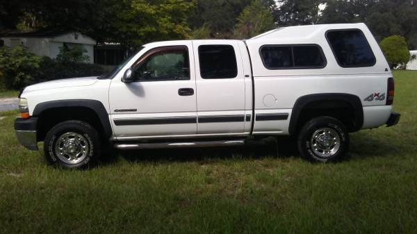 2002 CHEVY 2500 4X4 EXT CAB CLEAN! WE FINANCE!