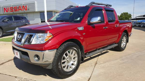 2011 Nissan Frontier SL 4x4 Crew Cab!! Clean Carfax 1-Owner!!