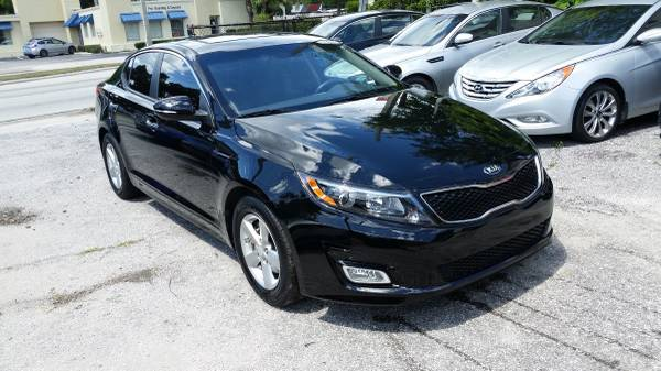 2015 OPTIMA LOW MILES SUNROOF NICE...$2,500 DOWN + $80 WEEK