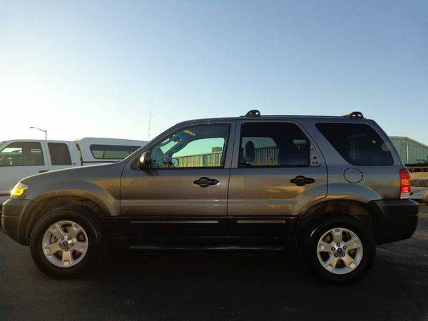 2006 *Ford* *Escape* XLT AWD 4dr SUV w/3.0L -BAD CREDIT? NO PROBLEM!