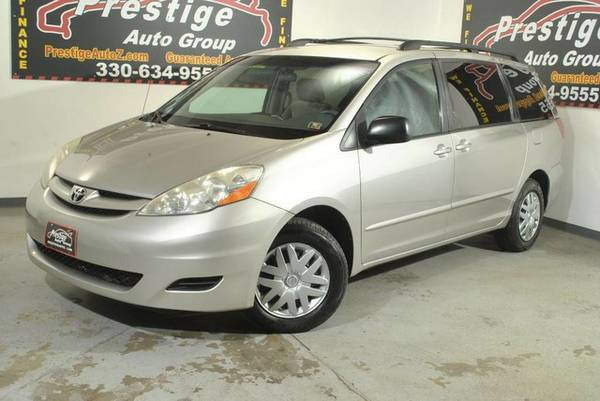 2006 Toyota Sienna-Third Row Seating,Priced to Sell with Free Warranty