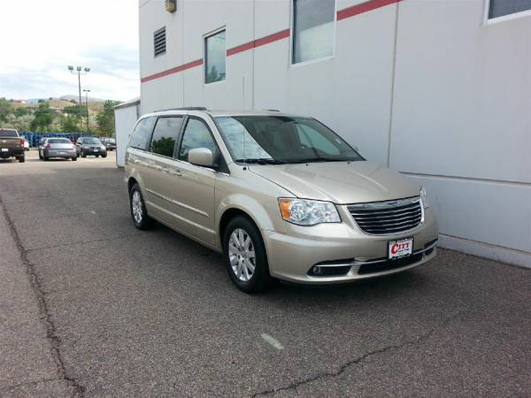 2013 Chrysler Town & Country Minivan Touring only 24,805 miles