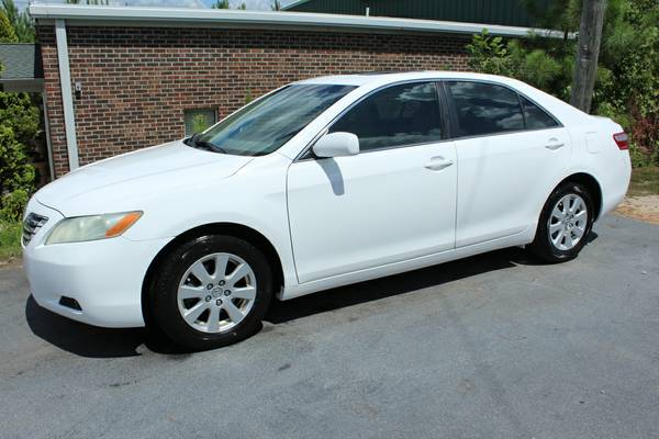 2007 Toyota Camry XLE w/ Leather & Sunroof * NICE! Guaranteed Approval