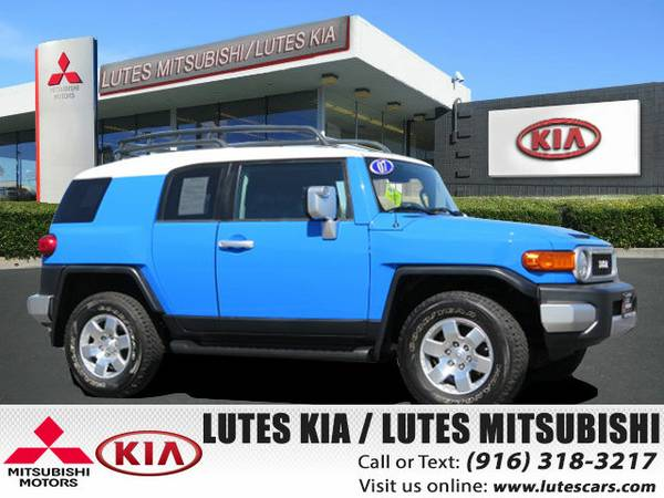 2007 Toyota FJ Cruiser 4X4 Very Clean *Hard To Find Color* SUV