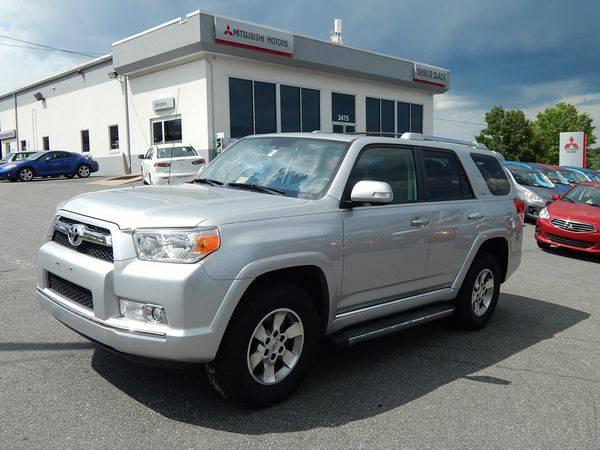 2012 *Toyota* *4Runner* SR5 -Easy Financing!!!