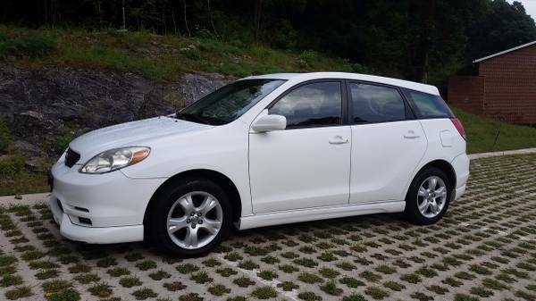 DEAL OF THE DAY*2004 TOYOTA MATRIX XR*35+MPG*LOADED*5-SPEED*AC*CD*NICE