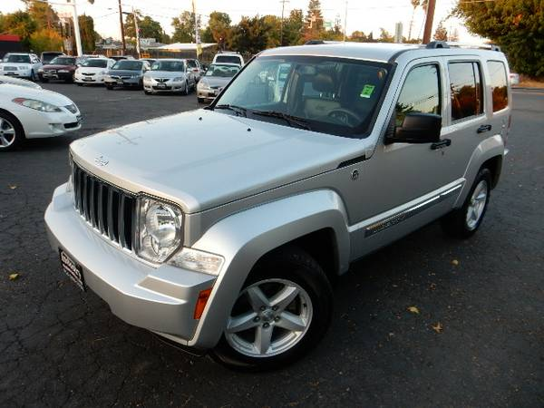 2012 JEEP LIBERTY*LIMITED*4X4*ONLY 64K MILES*CLEAN TITLE
