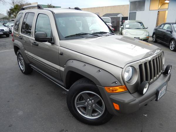 2006 JEEP LIBERTY RENEGADE*6-SPEED MANUAL*CLEAN CARFAX*CLEAN TITLE