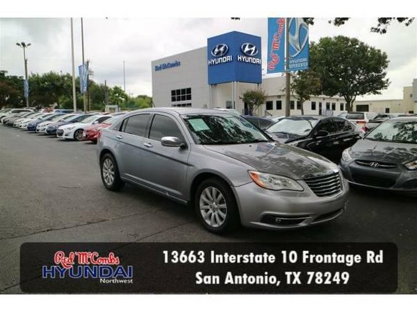 2014 *Chrysler 200* Limited (Billet Silver Metallic Clearcoat) Habla...