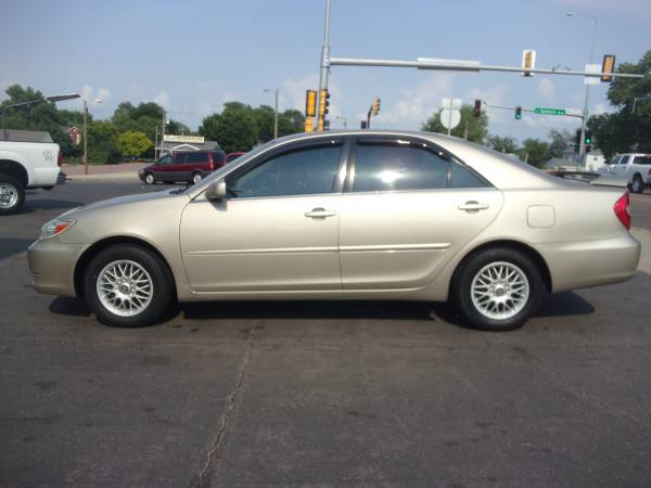 WOW!!! 2003 Toyota Camry XLE