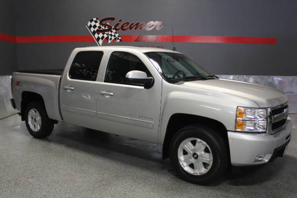 2010 Chevrolet Silverado*COME KICK THE TIRES AND TEST DRIVE THIS ONE!*