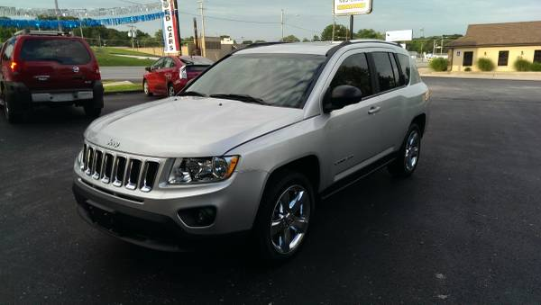 2011 Jeep Compass Limited-Located across from the Ozark Jr High School
