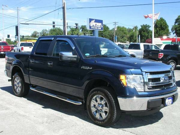 2013 Ford F150 XLT 4X4 - SUPER CREW - ONLY 26k MILES! SHARP NAVY BLUE!
