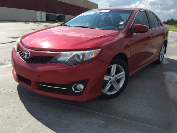 2012 TOYOTA CAMERY SE!! LEATHER LOADED!! NAVIGATION! HANDS FREE AUDIO!