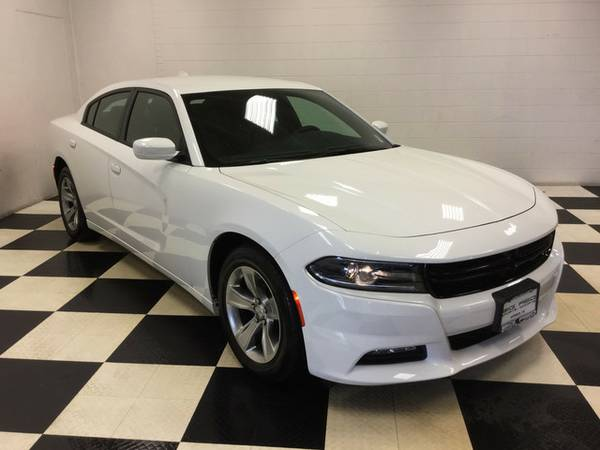 2016 DODGE CHARGER SXT!! ONLY 10K MILES LOADED OUT!! MUST SEE!