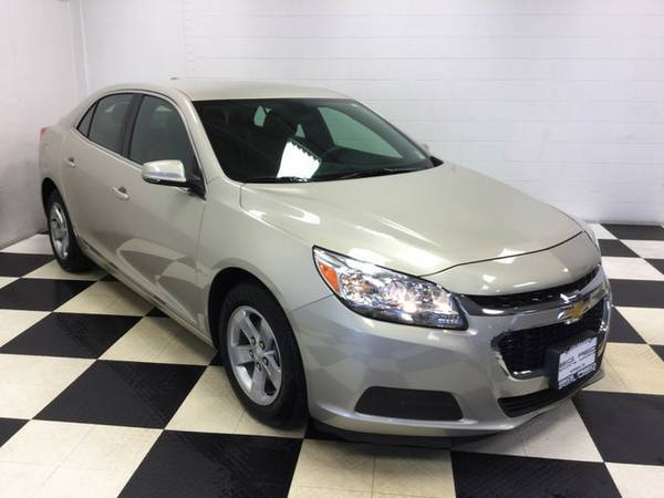 2016 CHEVROLET MALIBU LIMITED LT PERFECT IN AND OUT! ONLY 35K MILES!!!