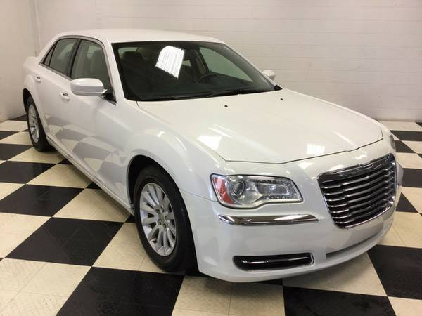 2012 CHRYSLER 300 FULL LOADED ONE OWNER CLEAN CARFAX