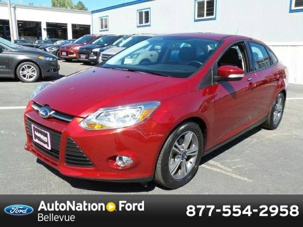 2014 Ford Focus SE SKU:EL321804 Sedan