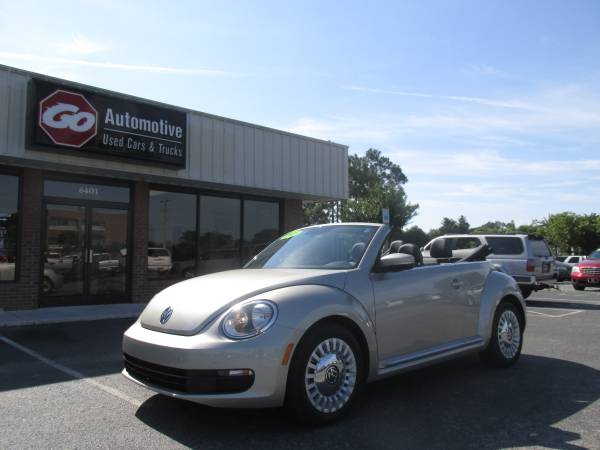 2013 VW BEETLE CONVERTIBLE **9k miles**