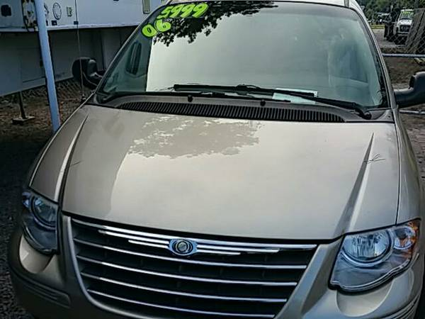 2006 Chrysler Town & Country bad credit financing