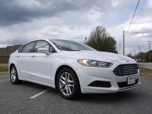 END OF MONTH SAVING SPECTACULAR! APPLY NOW!! 2013 Ford Fusion SE!