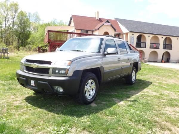 Chevrolet Avalanche LTZ 4X4 SUV Sunroof * *1 Year Warranty**