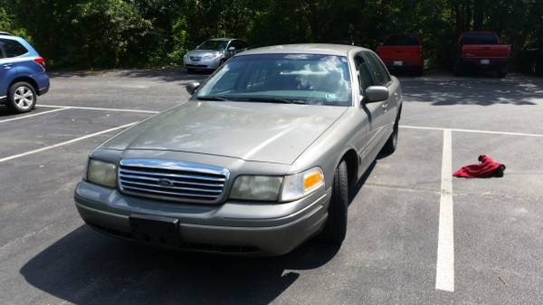 98 ford crown victoria parts car runs and drives