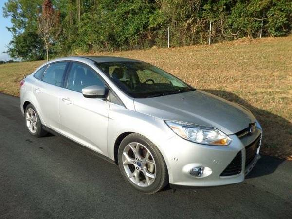 2012 *Ford Focus* SEL - Ford Ingot Silver Metallic