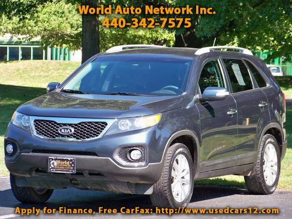 2011 Kia Sorento LX. 1-Owner vehicle. Fully Loaded. Well Maintained