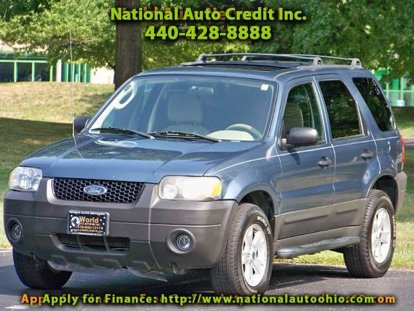 2005 Ford Escape XLT 4WD. Low Mileage Vehicle 103k. Power Sunroof.