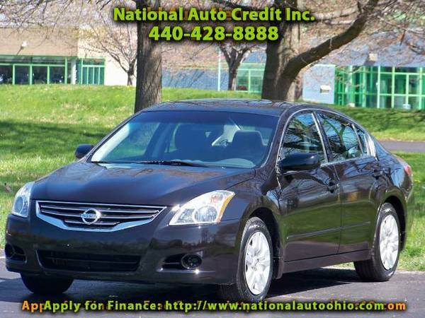2011 Nissan Altima 2.5 S. Low Mileage Vehicle 37k. Dual Exhaust Syste