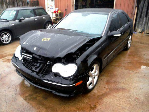 2006 *MERCEDES-BENZ* *C-CLASS* RWD - Trade-Ins Welcome!