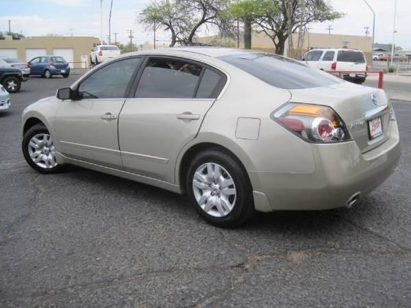 2009 Nissan Altima - 4 door - gold