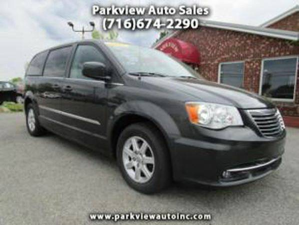 2012 *Chrysler* *Town* *and* *Country* Touring 4dr Mini Van - GET APPR