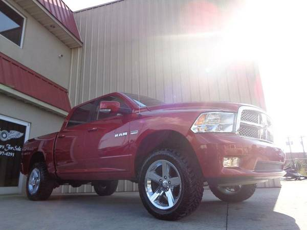 LIFTED 2009 DODGE RAM 1500 SLT SPORT 4X4 !3.5 INCH LIFT, HEMI POWER!