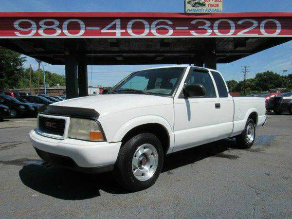 2000 *GMC* *Sonoma* SLE 2dr Extended Cab SB $121 A MONTH