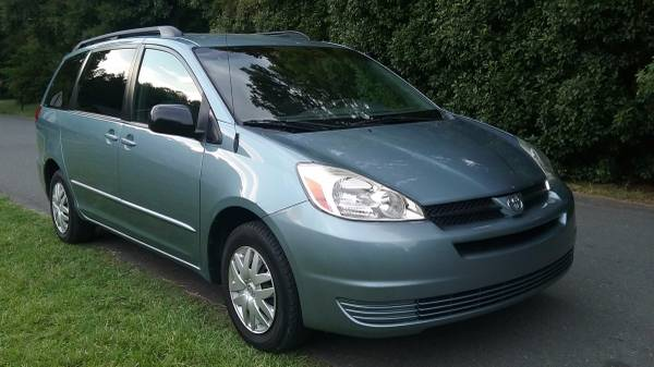 2005 Toyota Sienna LE Minivan SINGLE OWNR ONLY 109K Miles