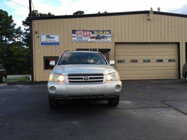 2003 *Toyota* *Highlander* Base Fwd 4dr SUV V6 -FINANCING AVAILABLE!!
