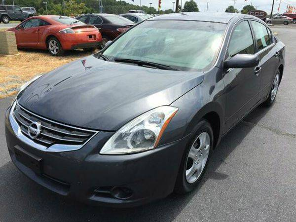 2012 *Nissan* *Altima* 2.5 4dr Sedan -FINANCING AVAILABLE!!