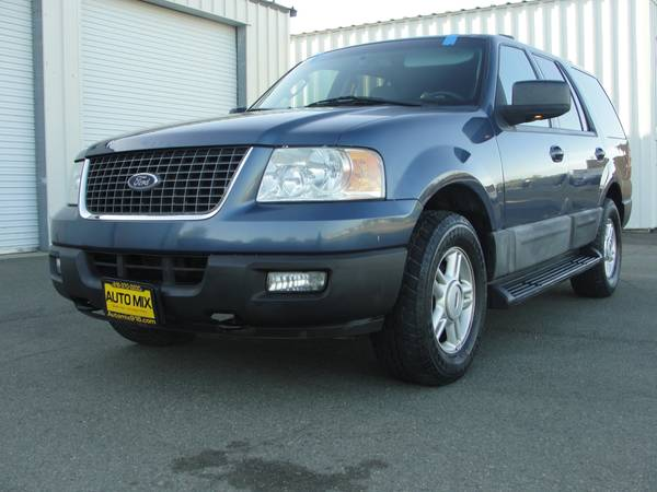 2004 Ford Expedition XLT 4WD -