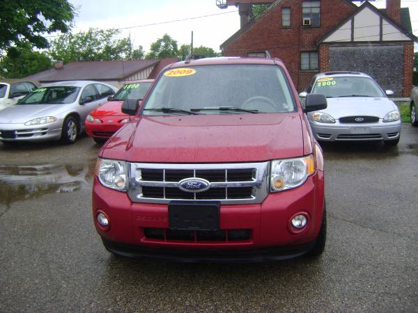 2009 Ford Escape / $1000 Down includes tax and title