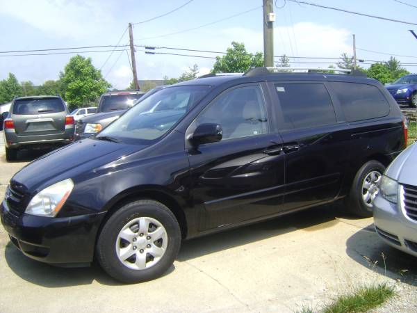 2006 Kia Sedona 800.00 down pymt includes tax and title