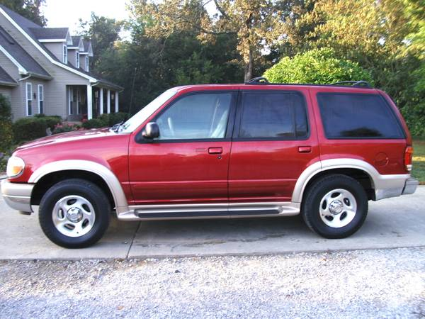 2001 Ford Explorer Eddie Bauer * 4x4 * Sunroof * Leather